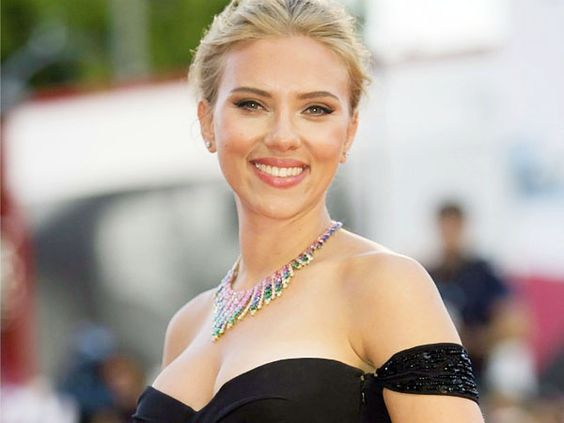 Scarlett Johansson S Net Worth How Much Did She Earn