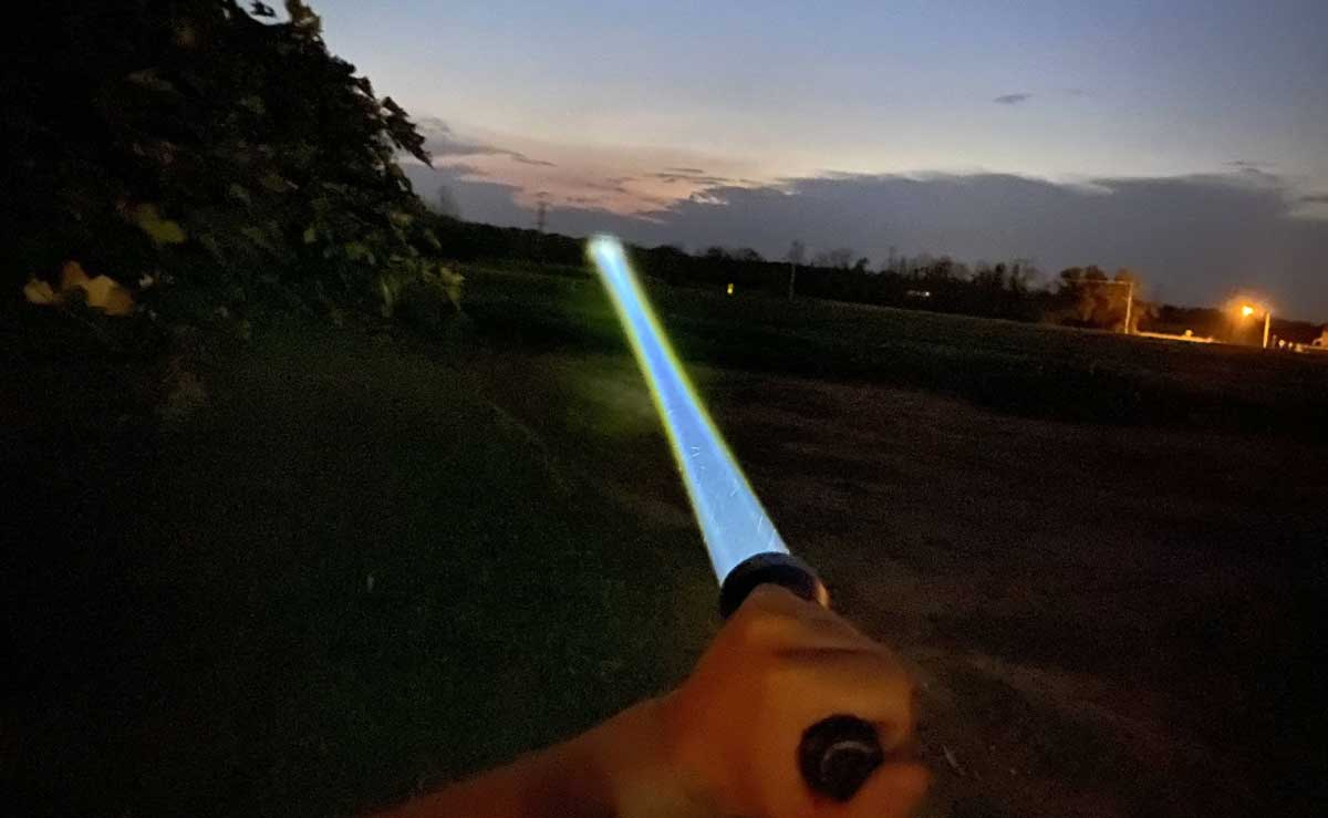 How-To-Signal-with-a-Flashlight