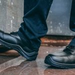 6 Ways Safety Shoes Protect You at Workplace