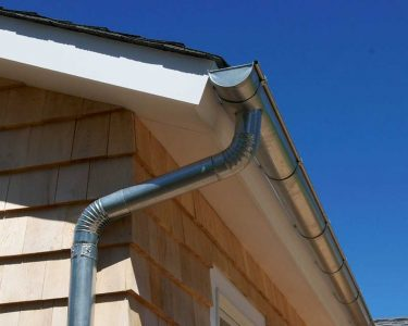 How to Connect Gutters