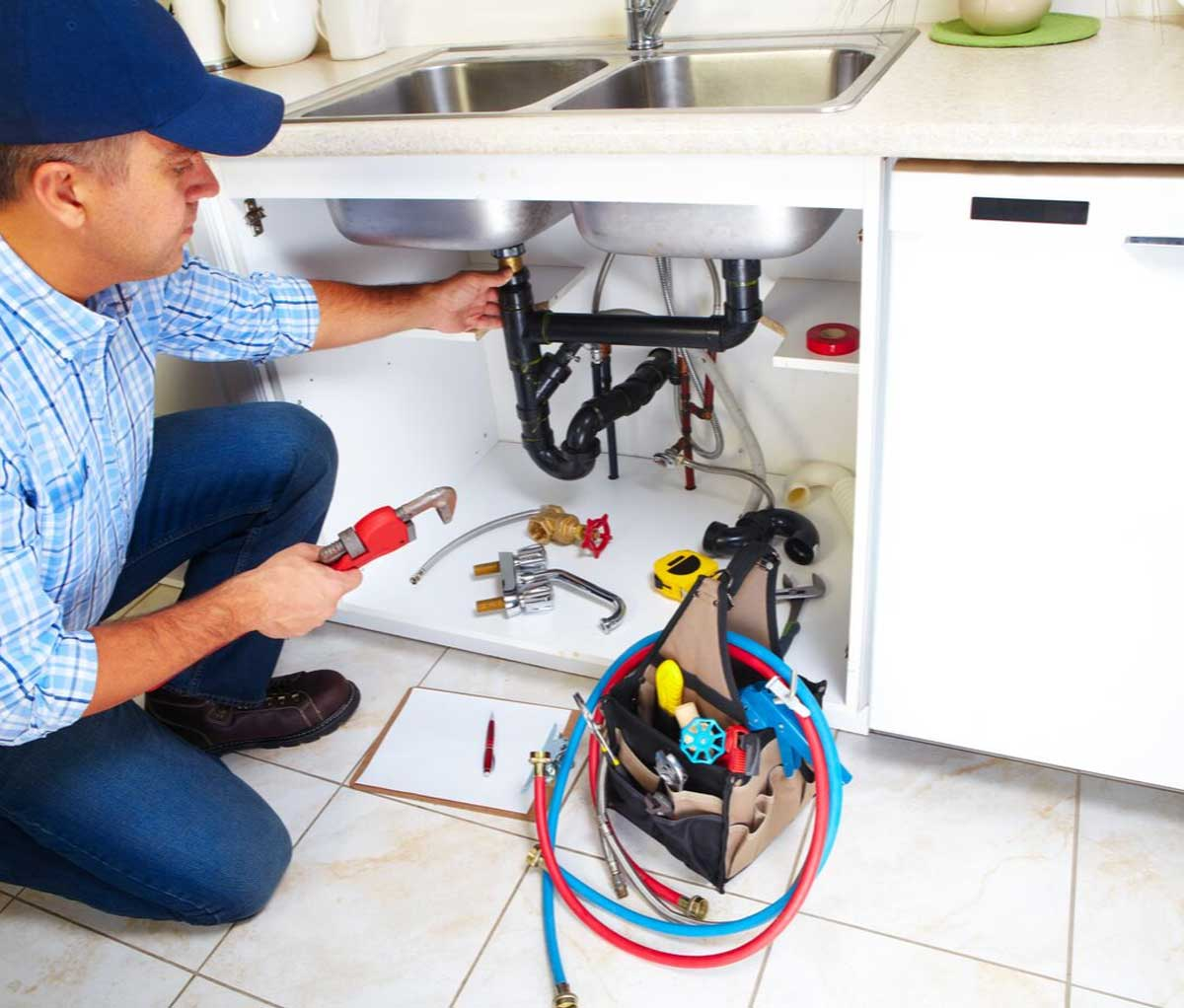 Essential Factors to Consider When Hiring Residential Plumbers